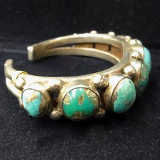 Navajo Bracelet Turquoise & Silver 9 oval stones