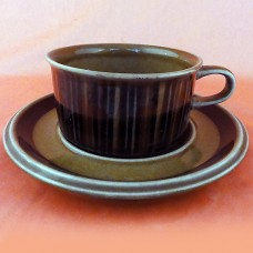 Arabia Finland Kosmos Cup & Saucer 2 inches tall